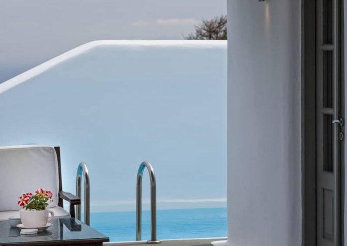 carpe diem view of pool