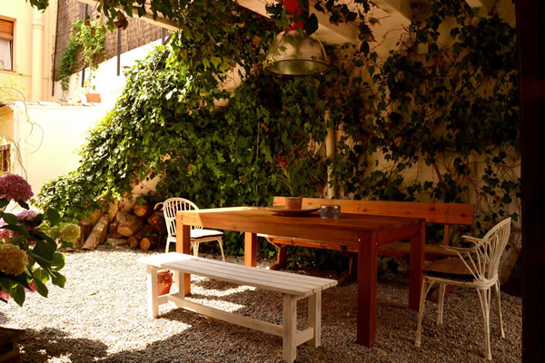 Marakasa bed and breakfast outdoor area