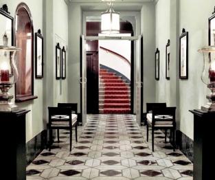 Hotel Karntnerhof hallway