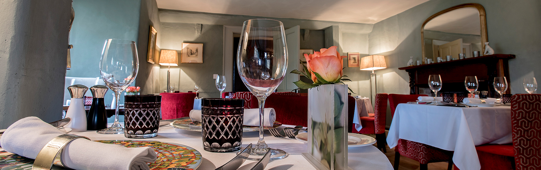 Cross lane house dining