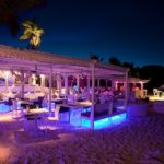 tom beach restaurant