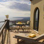 hotel villa ducale balcony