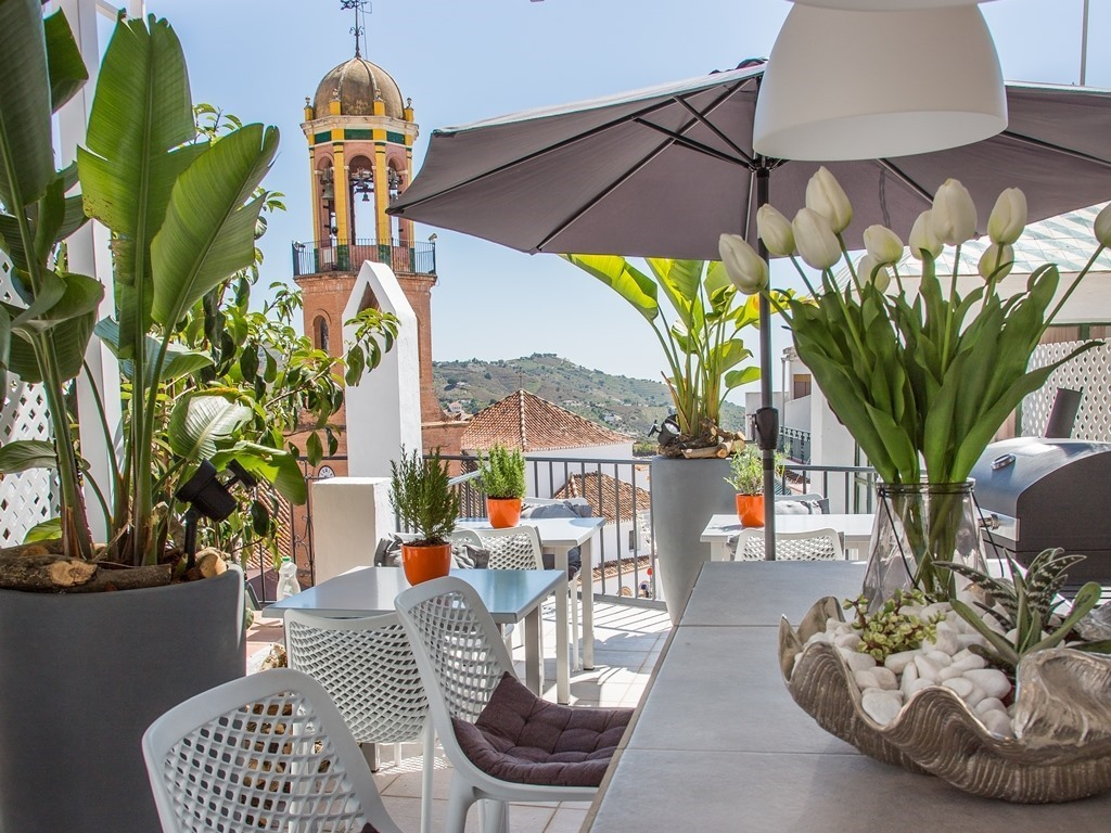 almijara residence terrace dining