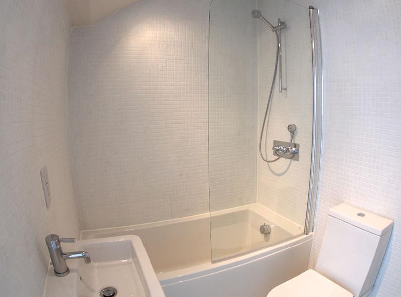 lyme cottage bathroom
