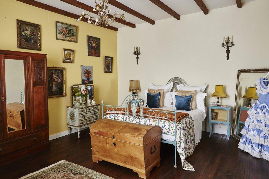 manoir laurette bedroom