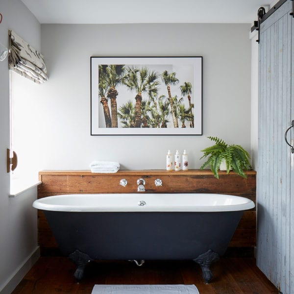 artist residence cornwall bathroom