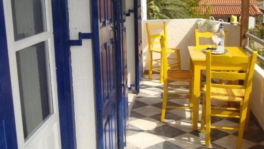 villa poseidon balcony
