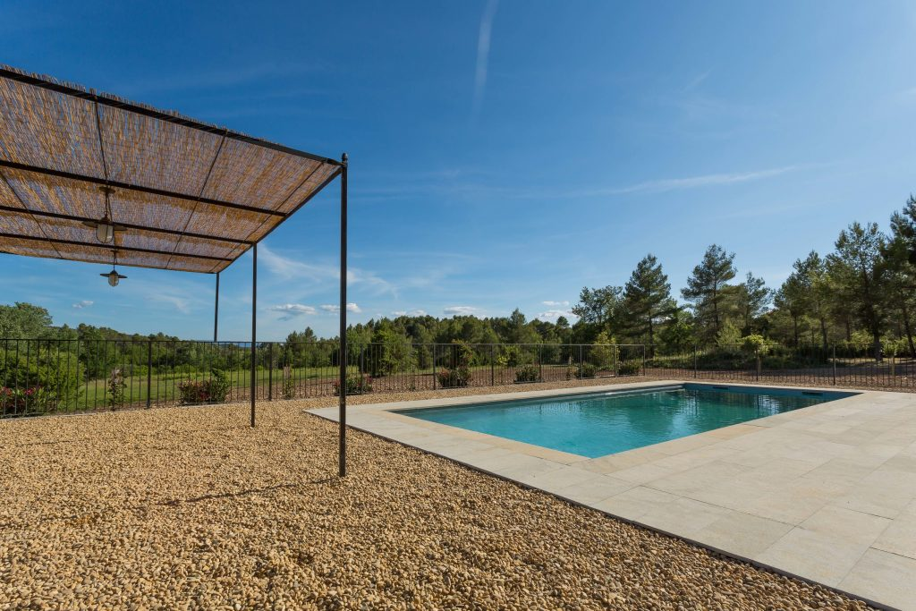 le bonhomme provence farmhouse swimming pool