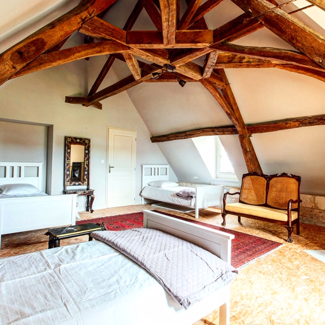 praana wellness retreat bedroom