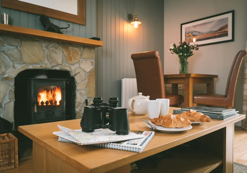 highland holiday cottages dining area